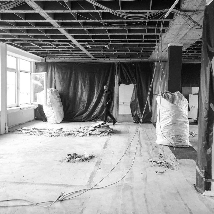 Büroumbau – Woche 1: Flächen sind entkernt. Platz machen für Neues! #neugründung #kiel #architektur #neuwerk #umbau #büro