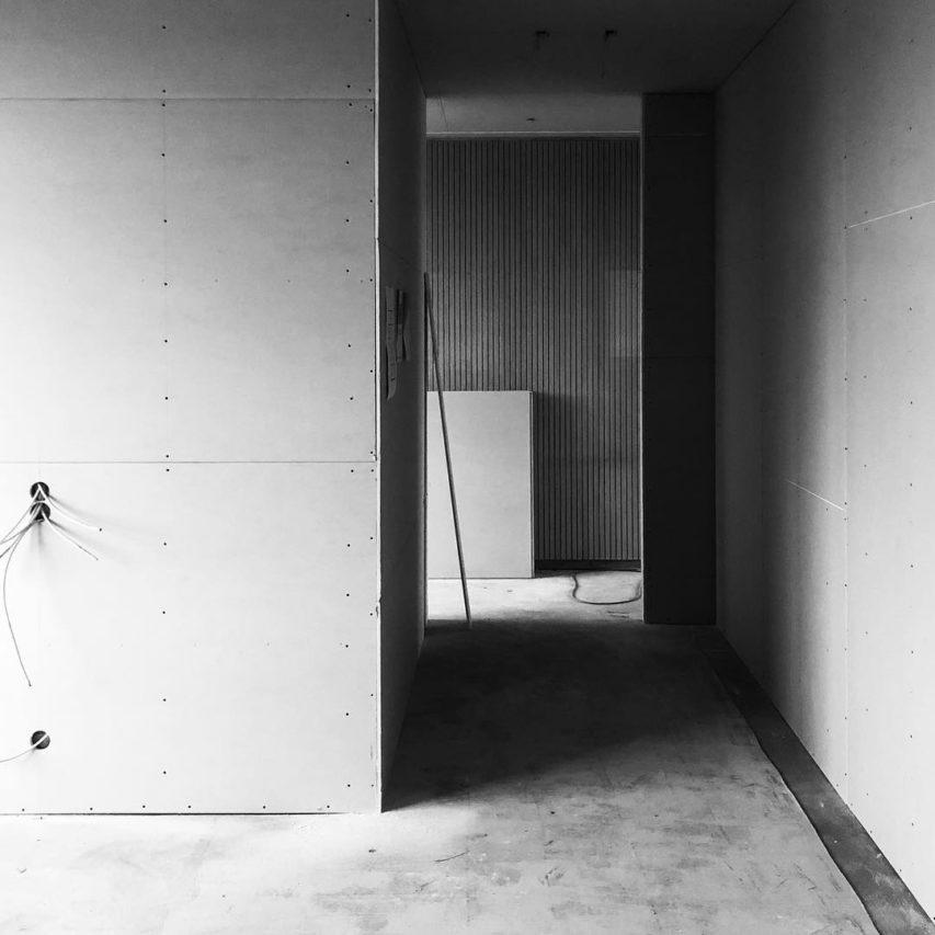 Büroumbau – Woche 2: #trockenbau ist durch. #wände stehen. #neuwerk #kiel #neugründung #architektur