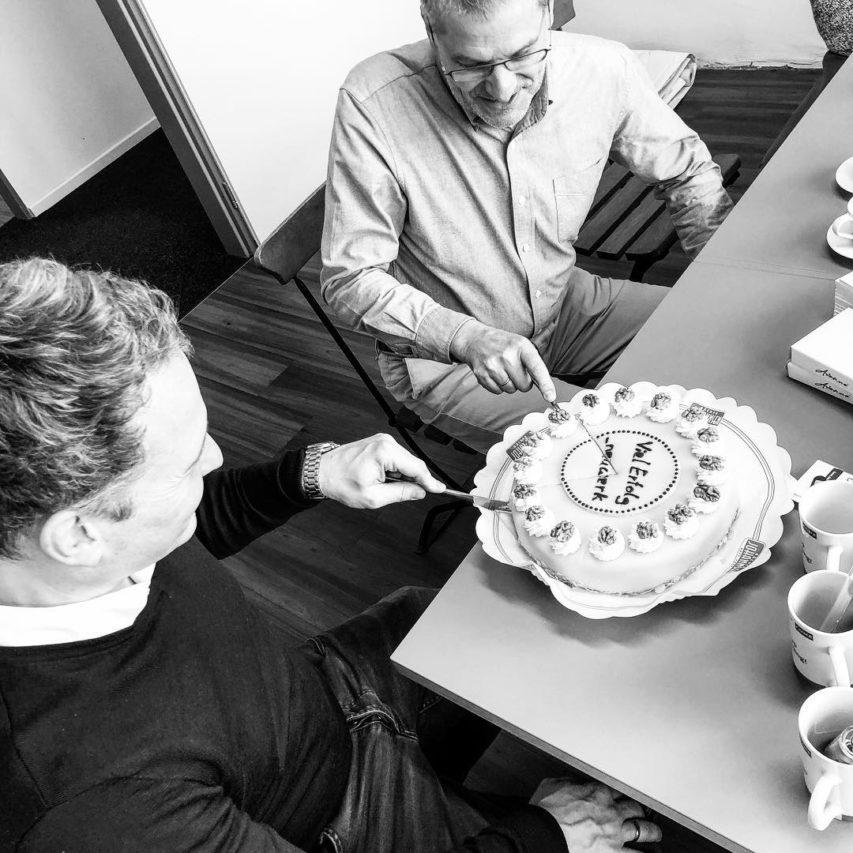 #kuchen zum #einstand! Was für ein nettes #hallo von #kone zur #neugründung. #neuwerk #kiel #architektur