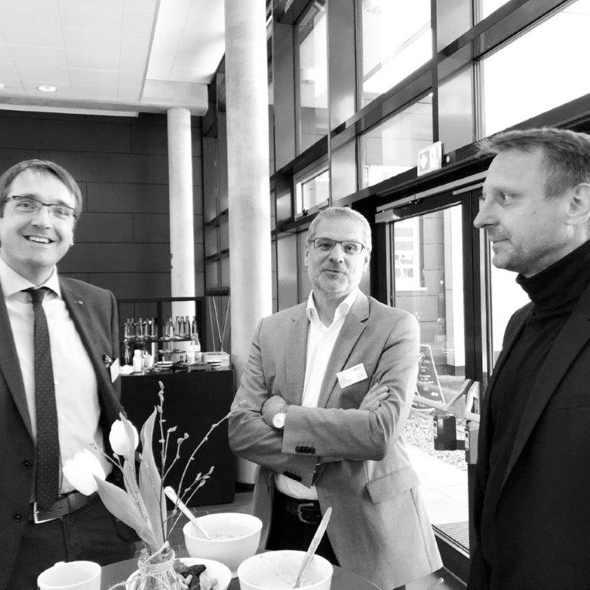 Austausch zum Thema BIM in der Technischen Hochschule Lübeck @th.luebeck: Tagung des Fachausschusses Baubetrieb und Bauwirtschaft. Vielen Dank für die Einladung und den spannenden Input zum Thema. Die Digitalisierung kommt auch beim Planen und Bauen … #thlübeck #bim #bauwirtschaft #baubetrieb #digitalisierung