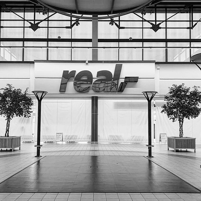 Zukunft kann man bauen. Unser nächstes #Projekt. Aus dem größten Lebensmittelmarkt in #Neumünster im Freesen Center machen wir einen #EDEKA ! #Supergeil #wirliebenunserenjob #wirliebenlebensmittel #architektur #neuwerk