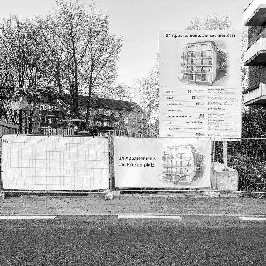 Die Kieler Stadthaus legt los. Mit der Ausführungsplanung aus unserer Hand errichtet die @heinrich_karstens_gmbh 24 Appartements zum #Wohnen mitten in der #KielerCity. #Kiel #Damperhof #Exerzierplatz #neuwerk #architektur #jetztgehtslos
