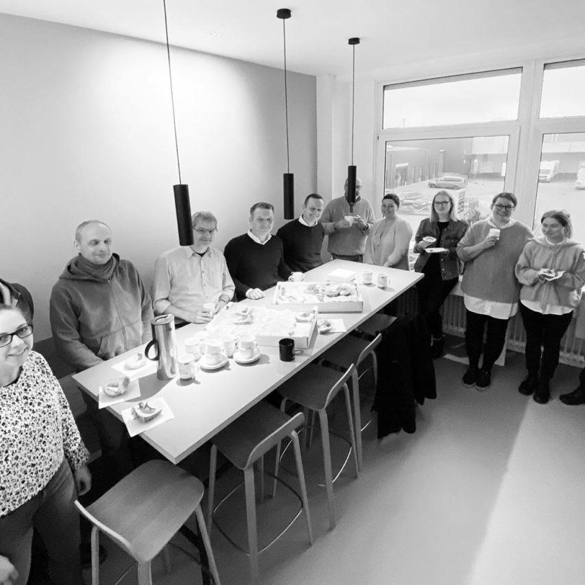 """""""Wir verbinden mehr als Etagen."""" #frühstück #kone #neuwerk #architektur"""