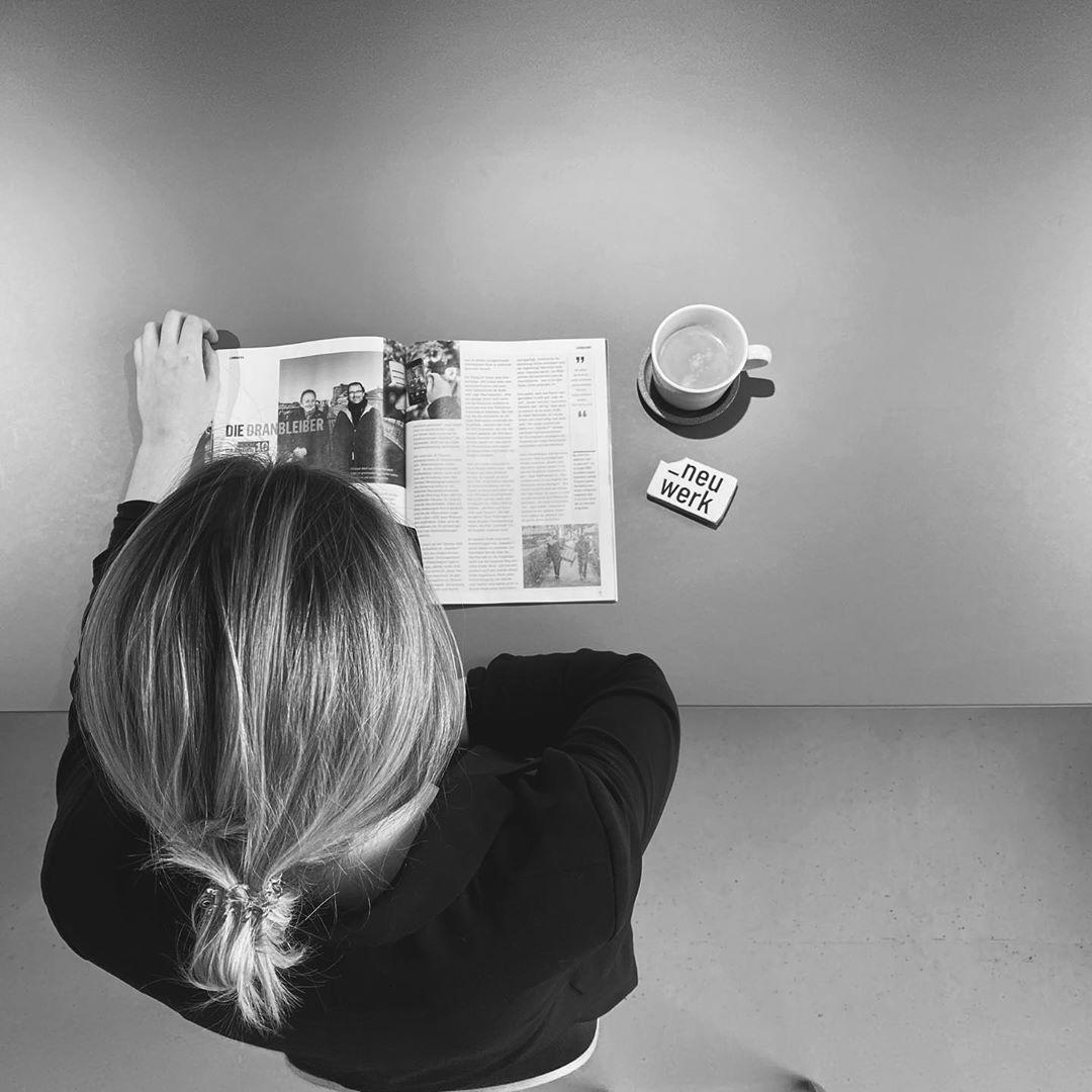 Gaarden HOCH 10 im @stadtwerke.kiel Magazin 1.2020.  Neuwerk ist mittendrin bei der Gestaltung des Kieler Ostufers und der von Standorten in zu neuen @kiel.de Quartieren. Fördenähe, Hochschulstandort und Kiez-Qualitäten. Wir mögen es bunt!