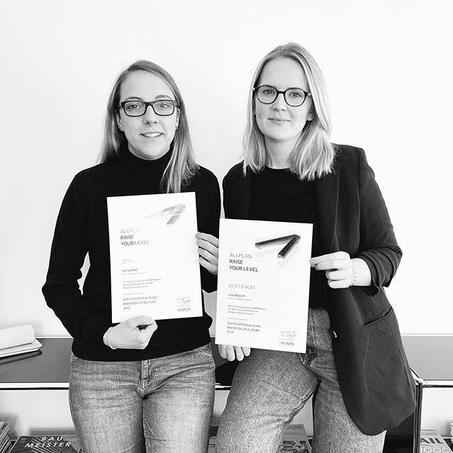 #raiseyourlevel! Sie haben es geschafft. Bei uns im Büro sitzen jetzt zwei zertifizierte BIM Modeler. Herzlichen Glückwunsch, Julia Bejeuhr und Svenja Haß. #BIM #allplan #neuwerk #digitalisierung #architecture