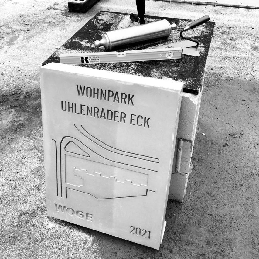 """Heute war Grundsteinlegung im """"Wohnpark Uhlenrader Eck"""" – leider nur als Fototermin auf Abstand. Die Feierlichkeiten werden beim Richtfest nachgeholt! #wohnungsbau #woge #architektur #kiel"""