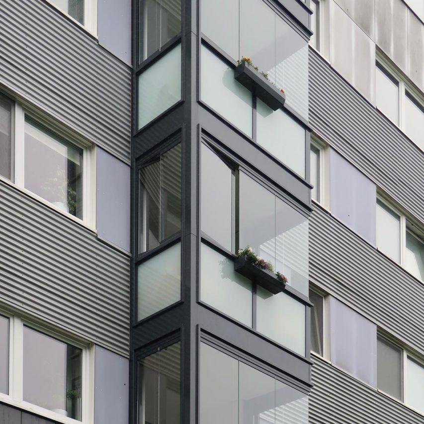 Die #Balkonsanierung in der Holtenauer Straße ist abgeschlossen. Seit Mitte #Juni sind die fünf, 13-geschossigen Gerüsttürme zurückgebaut und die neuen #Balkone können von den Anwohnern wieder genutzt werden. #neuwerk #woge #architecture #kiel #sanierung #bestand